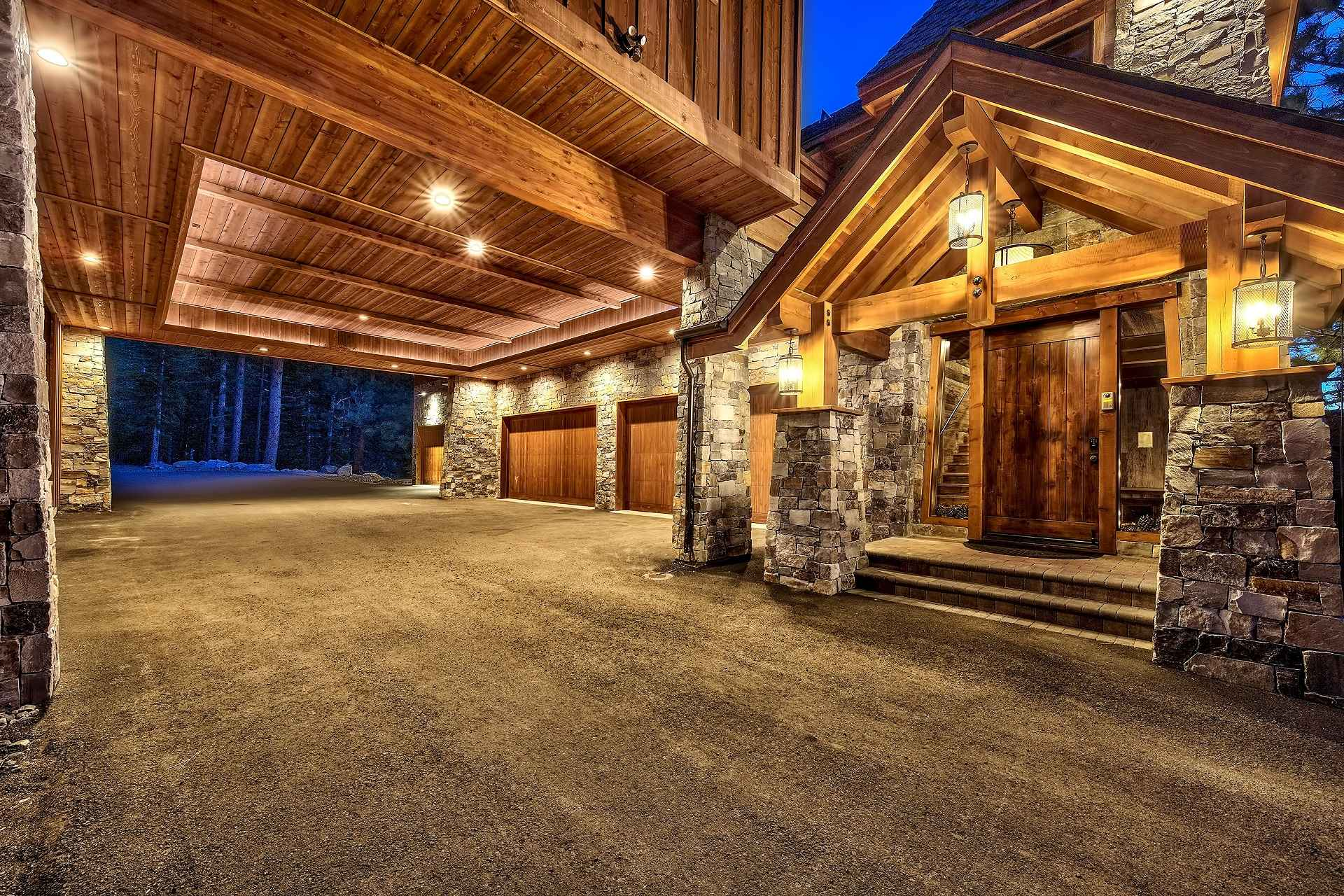 prop_1639_1564694993_17_bedroom_18_bath_powder_house_lodge_at_heavenly_ski_in_ski_out_with_indoor_pool_on_15_acres.jpg