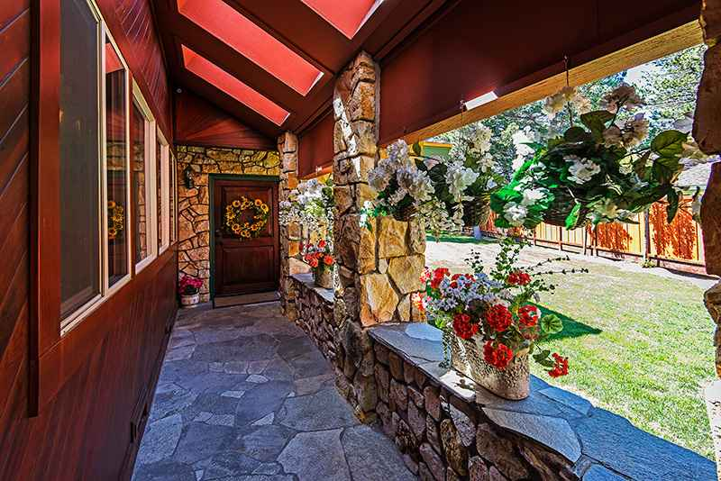 prop_2670_1463936515_7_bedroom_on_golf_course_w_indoor_pool.jpg
