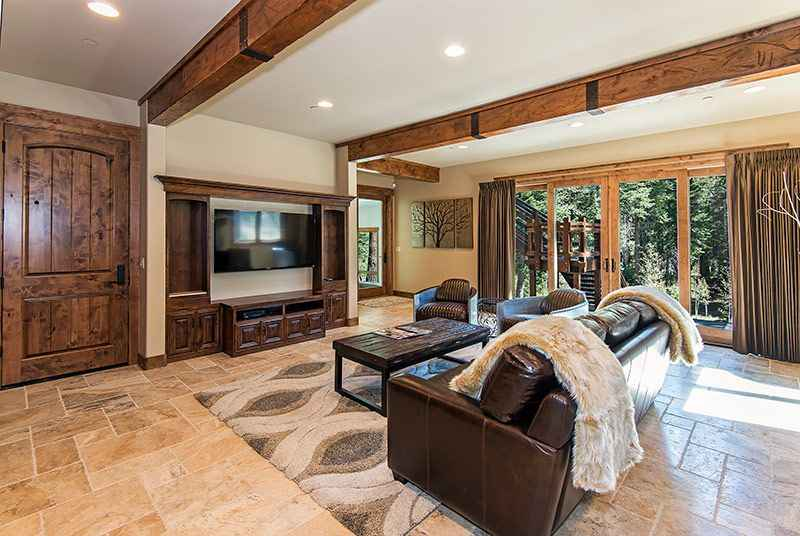 prop_3778_1443137149_6_bedroom_mountain_luxury_estate.jpg