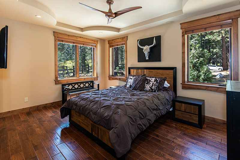 prop_3778_1443137368_6_bedroom_mountain_luxury_estate.jpg