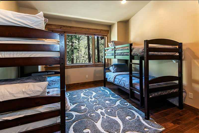 prop_3778_1443138583_6_bedroom_mountain_luxury_estate.jpg